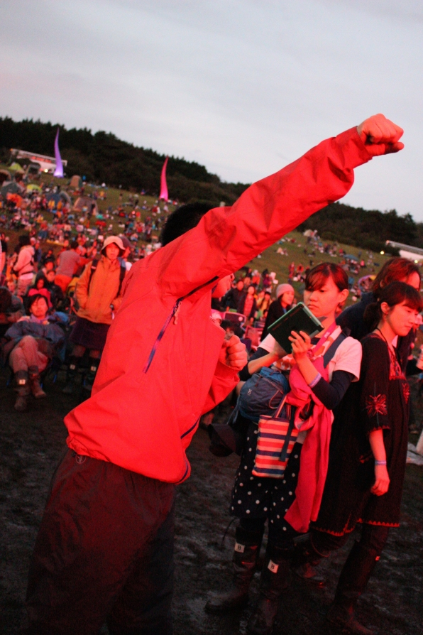 Yusaku is feeling the music